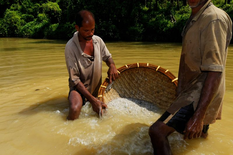 Gem mining on the river – Sri Lanka