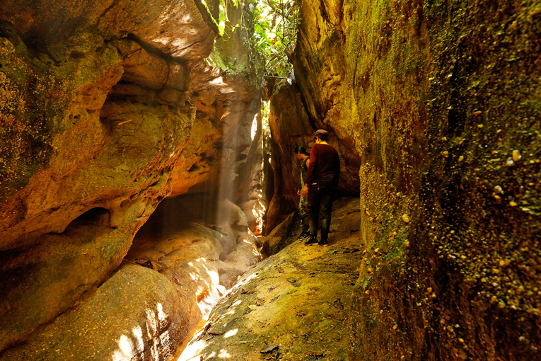 ecuador, anzu, shangrila, rio, rivers, amazon, lodge, ecotourism, andes, jungle, canyon, indians, quichua